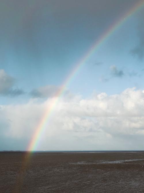 Wat is de overeenkomst tussen een regenboog en een sessie (aan zee)?